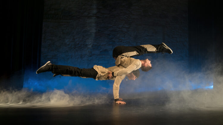 Breakdance & Partnerakrobatik Show